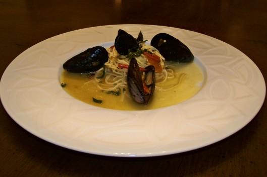 John Saffron Herb Mussels 01